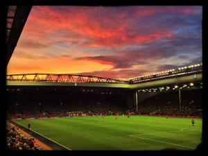 """Til tross for en rolig start bør Liverpool ha gode muligheter til å avansere fra gruppen sin. """"Reds Sky At Night""""(CC BY-SA 2.0)byRuaraidhG"""